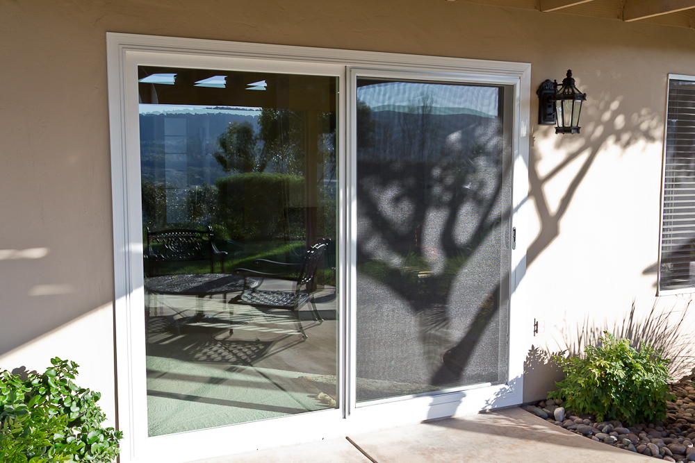 additionally this sliding glass patio door comes standard with a heavy duty extruded aluminum screen frame sliding_glass_patio_door_poway_2 - Glass For Patio Door
